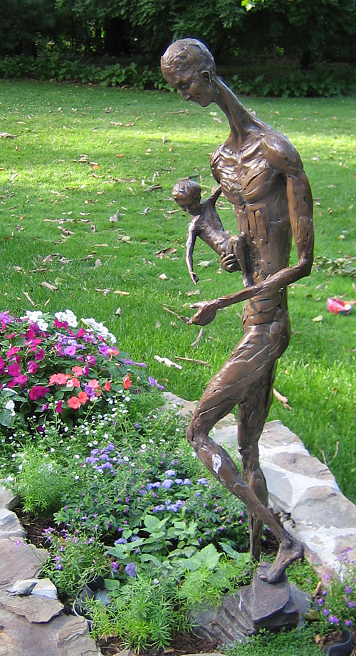 james peniston sculpture family discovering nature 1998